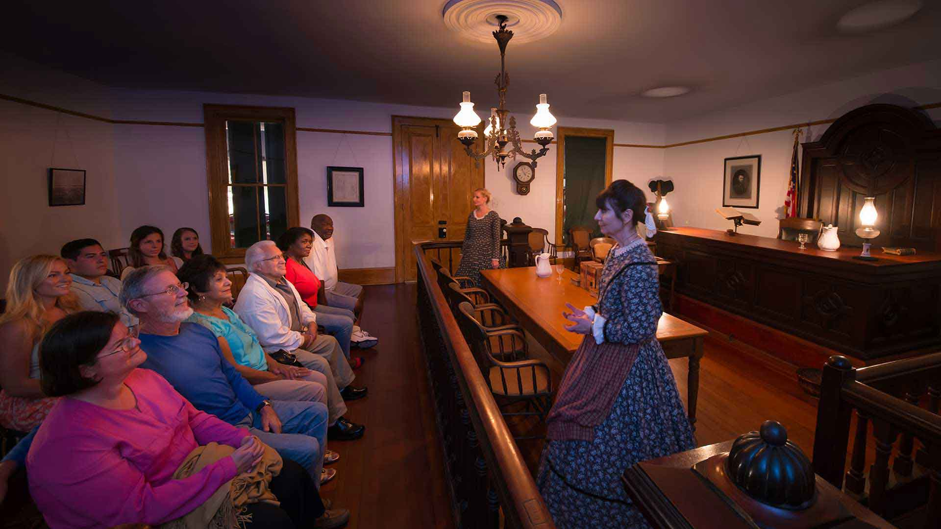 whaley house haunted tour with guests