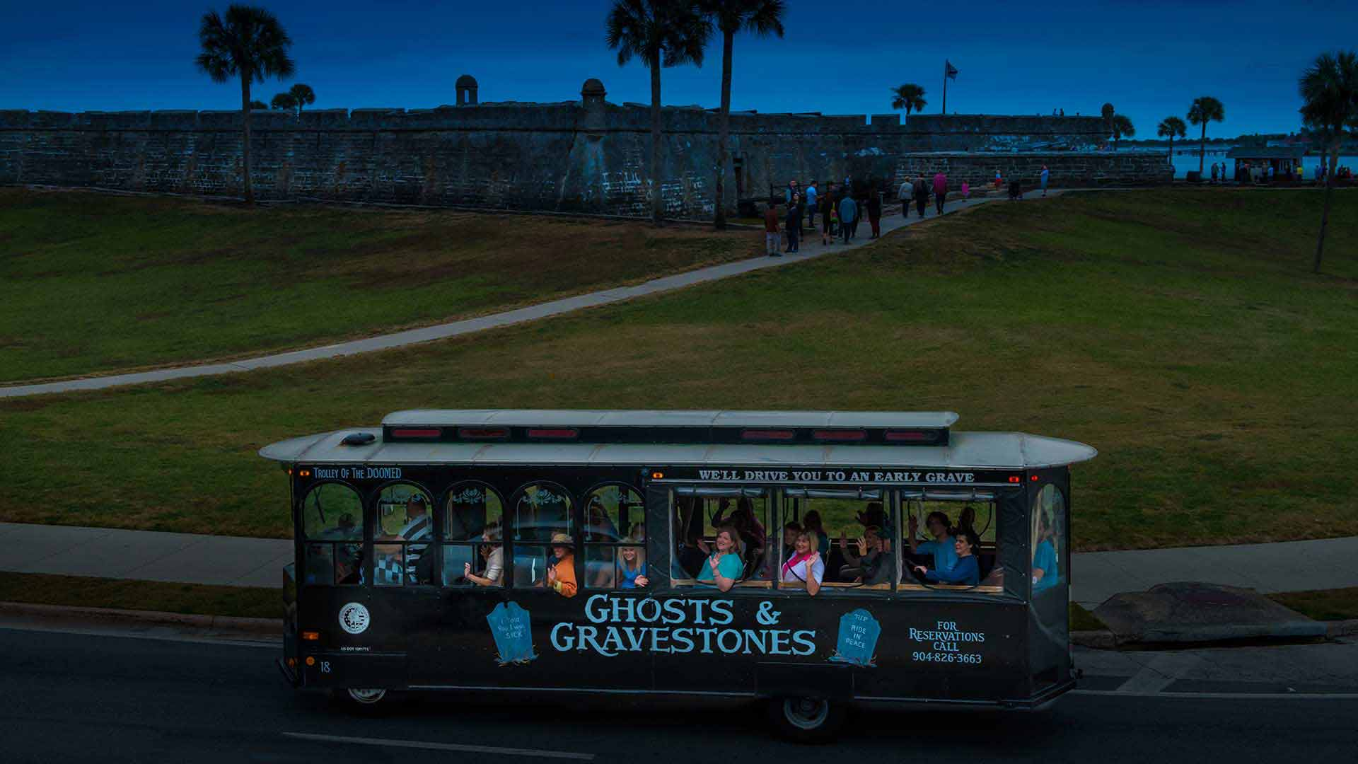 st augustine haunted tour trolley at castillo de san marcos