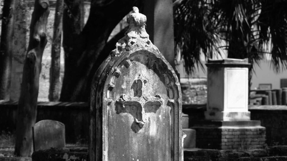 st augustine grave at hugenot cemetery black and white