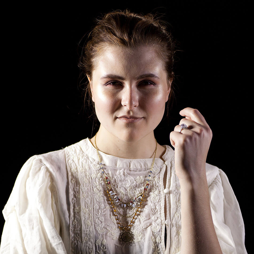picture of savannah ghost host hard hearted hannah